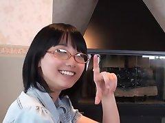 Japonský Okuliare Dievča Fajčenie