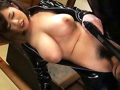Büyük memeli lateks Asyalı kız