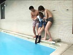 Ázijské Bazéne Gangbang