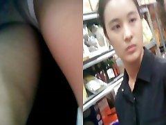 Boso Upskirt Teen Biela Pánty Faceshot