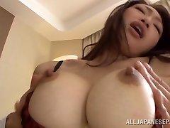 Reiko Kobayakawa veľké titted Asian babe dostane kohút jazda