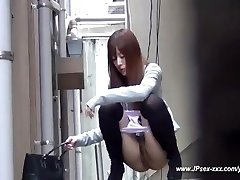 chinese girls go to the toilet.18