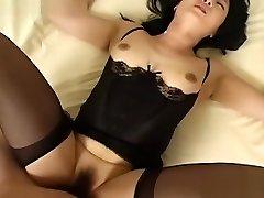 najlepší japonský model sa v nádhernej masturbácia, sieťované java-scény