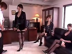 blázon japonský kuriatko leila aisaki, akari hoshino, risa murakami v nadržaný, spodná bielizeň, fetiš java-film