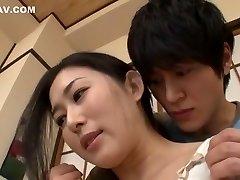 úžasné japonské dievča mio kitagawa v najlepších prsteň, manželky java-scény