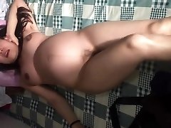 Japanese gf pregnant dancing naked in china