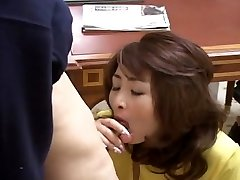 Sexy Japanese Cougar gets screwed