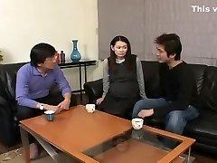 blázon japonská dievča v nádherné sólo ženy, tehotné java-klip