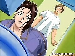 Giapponese hentai studentessa viene schiacciata e morsetto sue tette