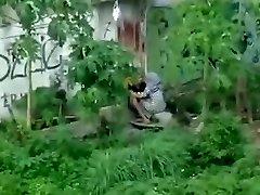 indonezijos - ngintip jilbab ngentot belakang bangunan