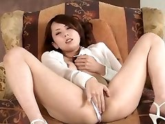 Yui Hatano sucks wood and bangs like an angel
