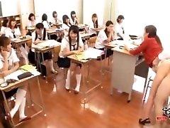 Učitelj v šoli