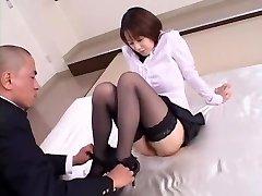 Verrückte Japanerin Misa Nishida in Exotische Cunnilingus, Strümpfe jaw clip