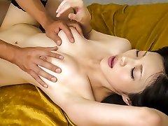 惊人的日本女孩萨拉Yurikawa在最热门的熟未经审查的徐娘半老剪辑
