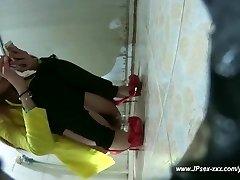 चीनी सार्वजनिक शौचालय है । 2