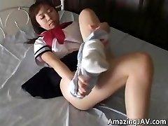 Japonska šolarka, upskirt v javnih part2