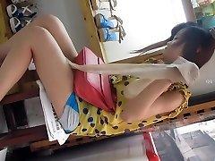Китайские девушки под юбкой часть 2