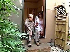 Japāņu mamma un tēva tiesībām