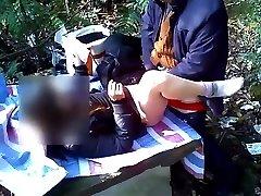 ķīniešu vectēvam izīrē prostitūta