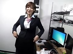 Milf bare glutes on office PART 1 - More On HDMilfCam.com