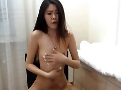 sexy korean dame squirts on cam