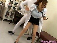 Japonski otročiček v ekstremnih groping