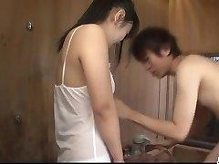 Koyuki Ono brunette bimbo blåser kuk som en engel