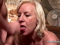 Sexy french mature deep analized with cum Two facehole in a bar