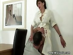 Tonguing horny mature puss