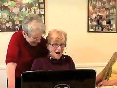 3 grannys having a glance..
