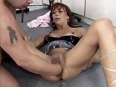 Mature whore fisted