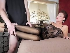 Mommy in pantyhose
