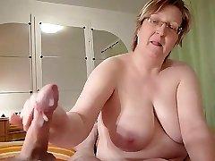 homemade, chubby grannie faps cock