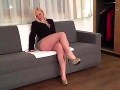 Blonde sexy leg mature cougar mom in high heels