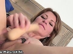 Horny thin housewife is inserting huge part3