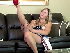 Outstanding amateur mature mom on leather couch
