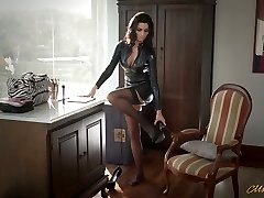 Sexy mother in latex Ania Kinski gets boned properly