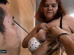 Elderly and ample bbw mature latina enjoying licking