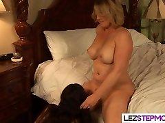 Showcase momma your yummy pussy