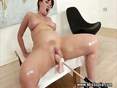Bang-out machine drilling mature vagina