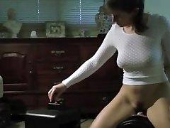 Hot Ass Mature Wife on Sybian
