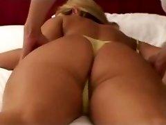amateur blonde wifey massaged by japanese