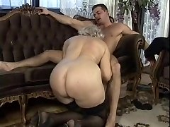 German Grannie Hump