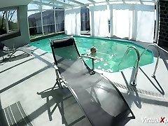big orb Milf jacking at the pool