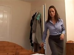 Angry mommy gives her boyfriend a harsh hand job