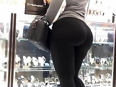 MOM TELL ME TO FOLLOW MYDREAMS!Latina Taut Donk In black spandex