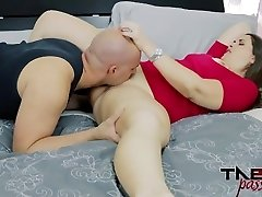 Madisin Lee in Mother's Smelling Pussy