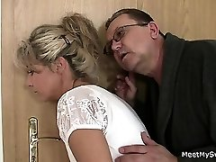 Holy crap! Family threesome with my girlfriend!!