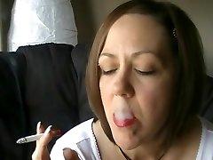 Lip Liner smoking