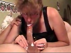 slut mommy sucks cock & gulps my load